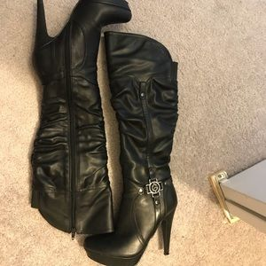 Guess black heeled boots, NWOT 6